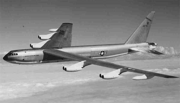 http://airwar.ru/image/idop/bomber/b52/b52-6.jpg